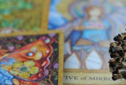 Cómo limpiar las cartas del Tarot