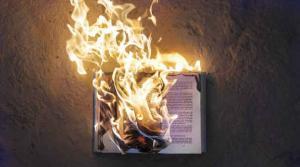 El Ritual de Escribir y Quemar